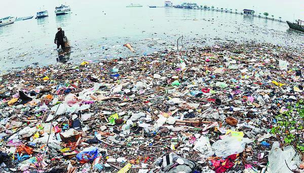 sampah-di-laut